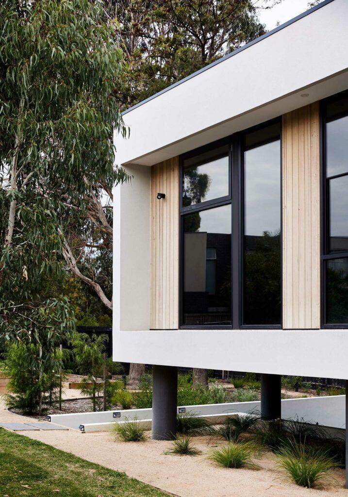 Maike Design. White and timber exterior facade